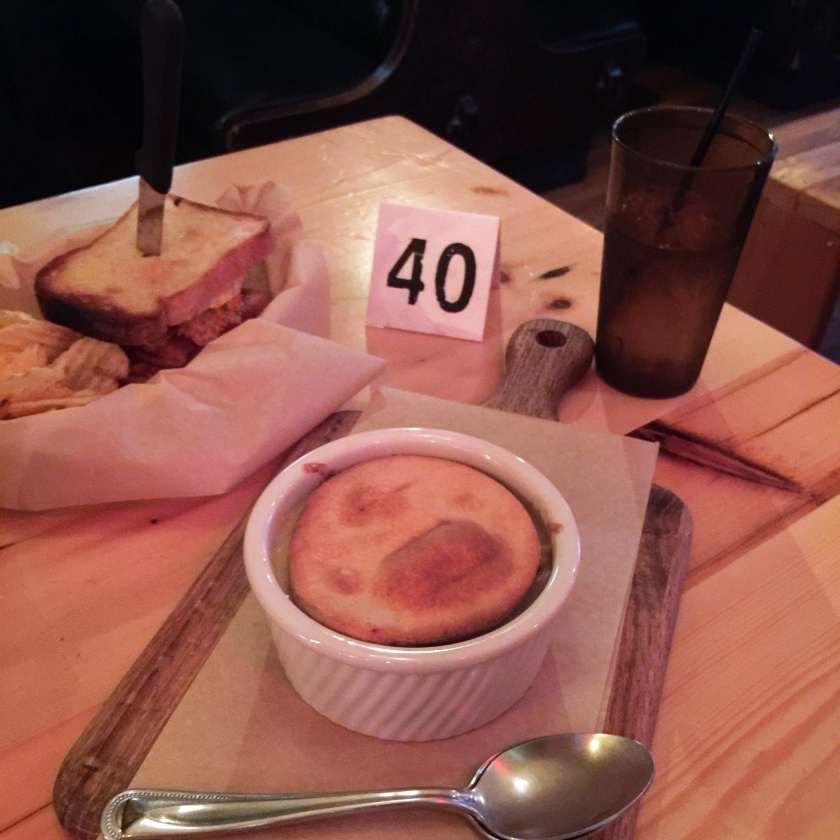Full Time Explorer How to Spend a Day on the Upper East Side for under 30 dollars budget ues nyc new york city earls beer and cheese chicken pot pie grilled cheese sandwich