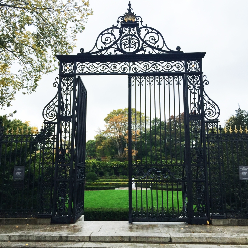 Full Time Explorer How to Spend a Day on the Upper East Side for under 30 dollars budget ues nyc new york city entrance to conservatory garden in central park