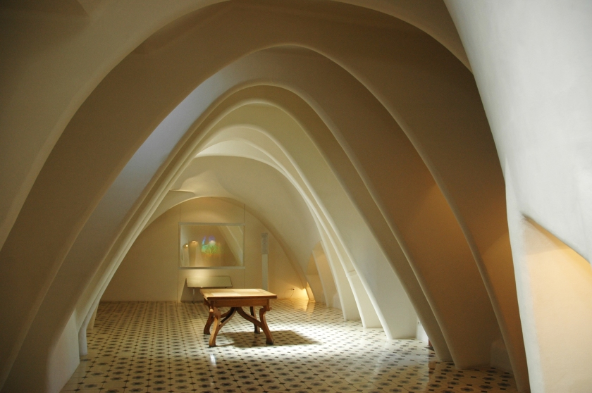 Things to do in Barcelona Spain Full Time Explorer Casa Batllo Room Ceiling Arch